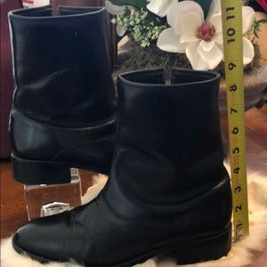 """Shoes - Black Leather 1 1/2"""" Heel Boots Made in Canada 8"""